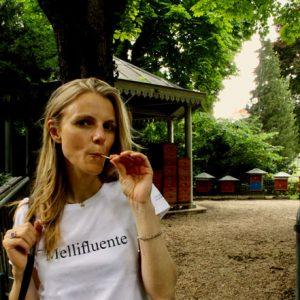 Le t-shirt Mellifluente prêt à porter par l'atelier jour de lune